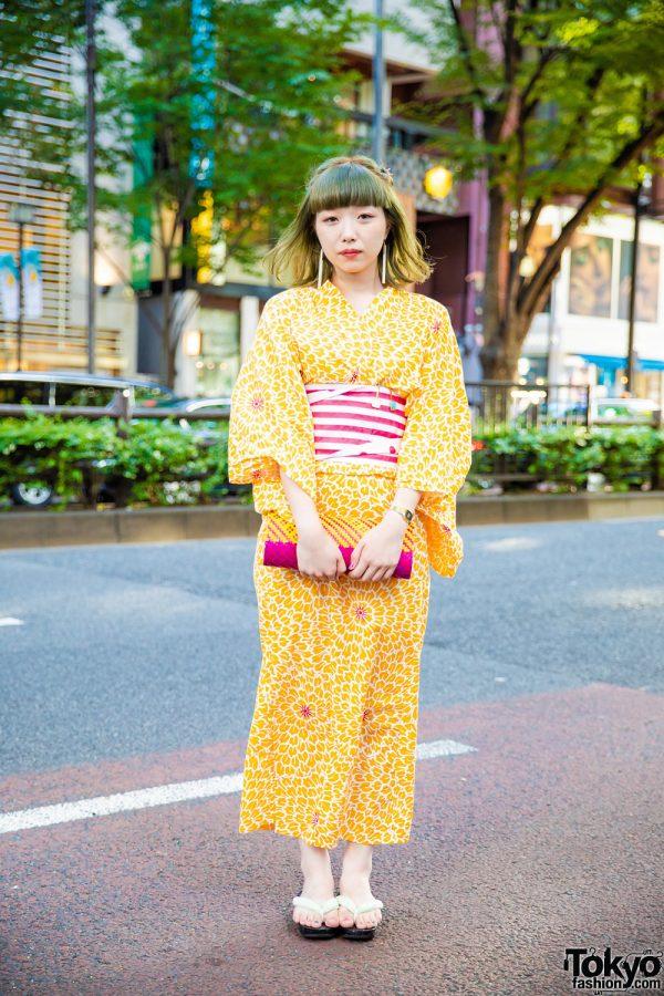 Japanese Yukata Street Style w/ Floral Prints, Striped Obi Belt, Theatre Products Drop Earrings & BayCrew Straw Clutch