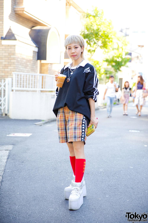 Japanese Street Style w/ Blonde Mullet, Oversized Sweatshirt, Plaid Shorts, Layered Necklaces & Platform Sneakers