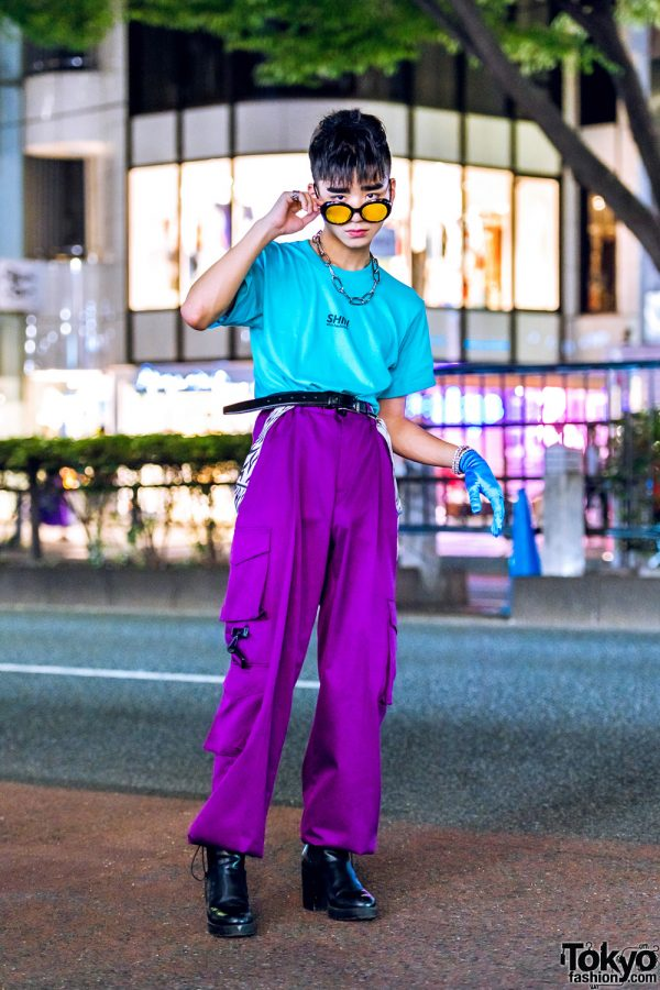 Japanese Street Style in Harajuku w/ Shin Hashimoto Aqua Top, ESC Studio Parachute Pants, Bershka Boots, Satin Glove & Vintage Accessories