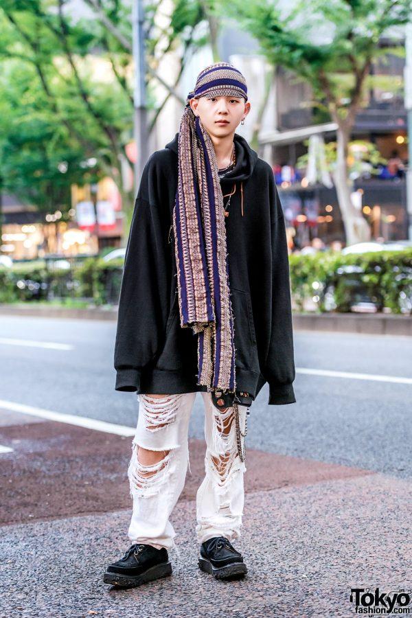 Monochrome Streetwear Style w/ Oversized Hoodie, Ripped Jeans, Suede Creepers & Gara Headscarf