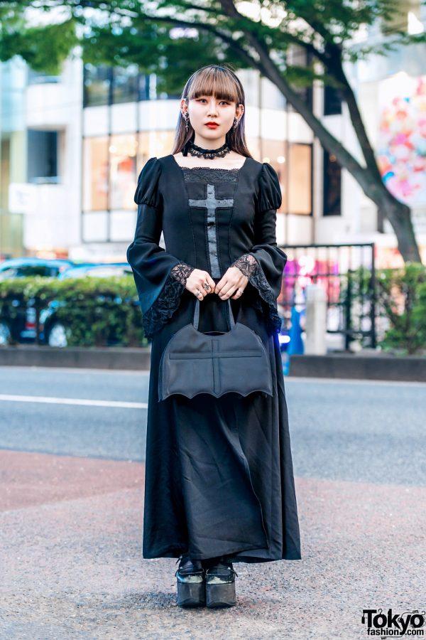 Harajuku Gothic Street Fashion w/ Moi-même-Moitié Dress, Bat Handbag, Lace Choker & Platforms