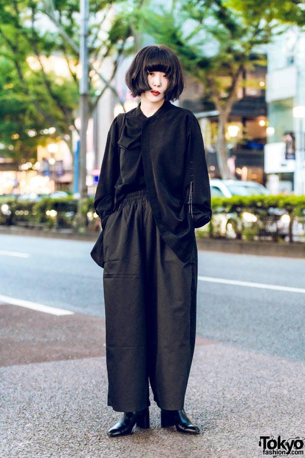 All Black Harajuku Minimalist Fashion w/ Friend Made Long Sleeve Shirt, Unrelaxing Wide Leg Pants, Heeled Boots & Tote Bag