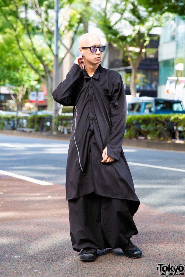 Japanese Model & Musician's All Black Streetwear Style w/ Depression.Tribe Layered Tops & Wide Leg Pants, Nike Sneakers, Statement Earrings & Vivienne Westwood Watch
