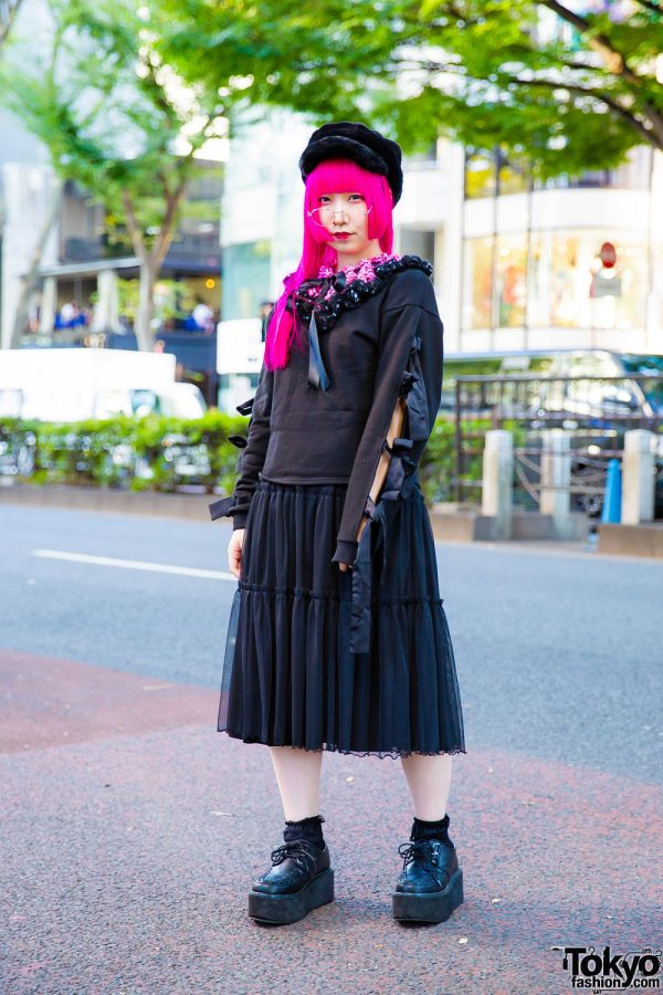 Pink Hair & All Black Harajuku Street Style w/ Merry Jenny & Yosuke