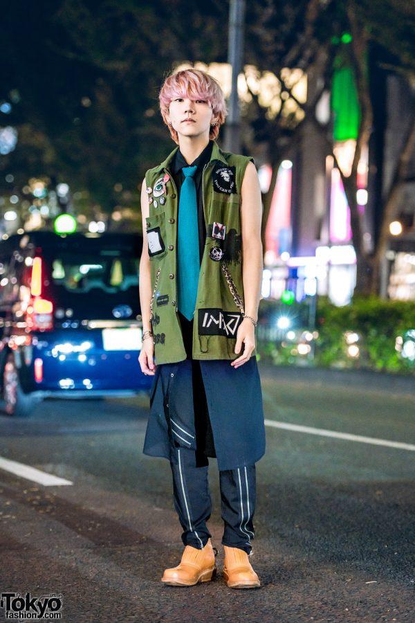 Edgy Menswear Street Style w/ Pink Hair, Hiro Hoodie Vest, Christian Dada Long Shirt, Zipper Pants & Cognac Boots
