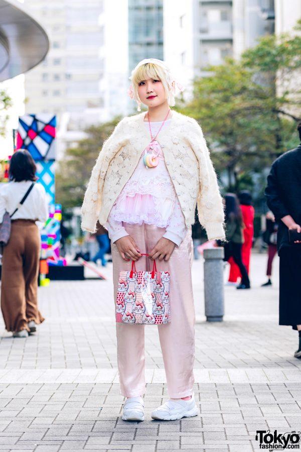 Floral Lace Vintage Style w/ Kinji, Luna, Swimmer, Skechers & Gunifuni