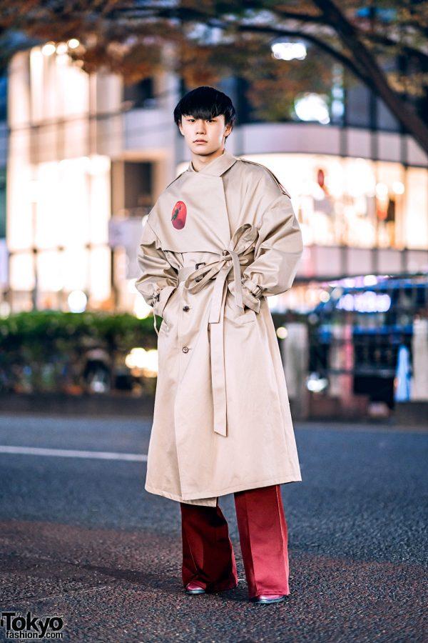 Menswear Winter Street Style w/ Blunt Bob, Oversized Keisuke Yoshida Trench Coat, Flare Pants & Pointy Boots