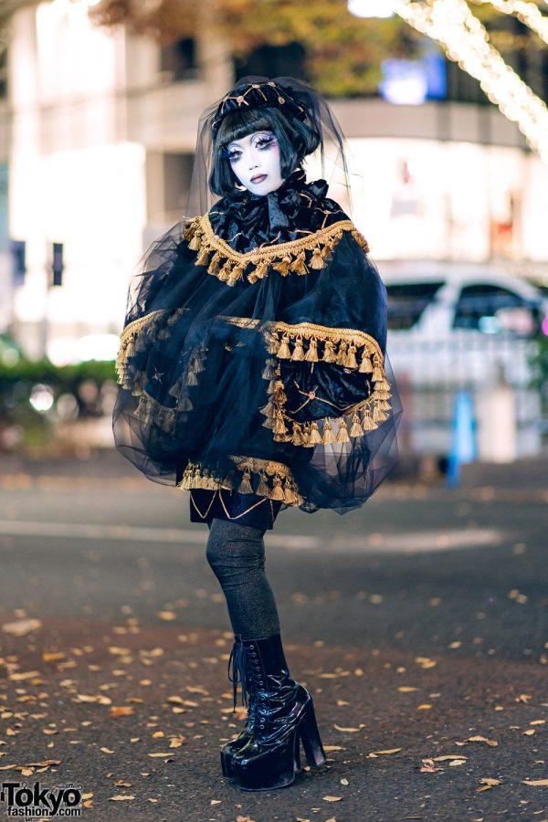 Japanese Shironuri Artist Minori in All-Black Vintage & Handmade Street Style