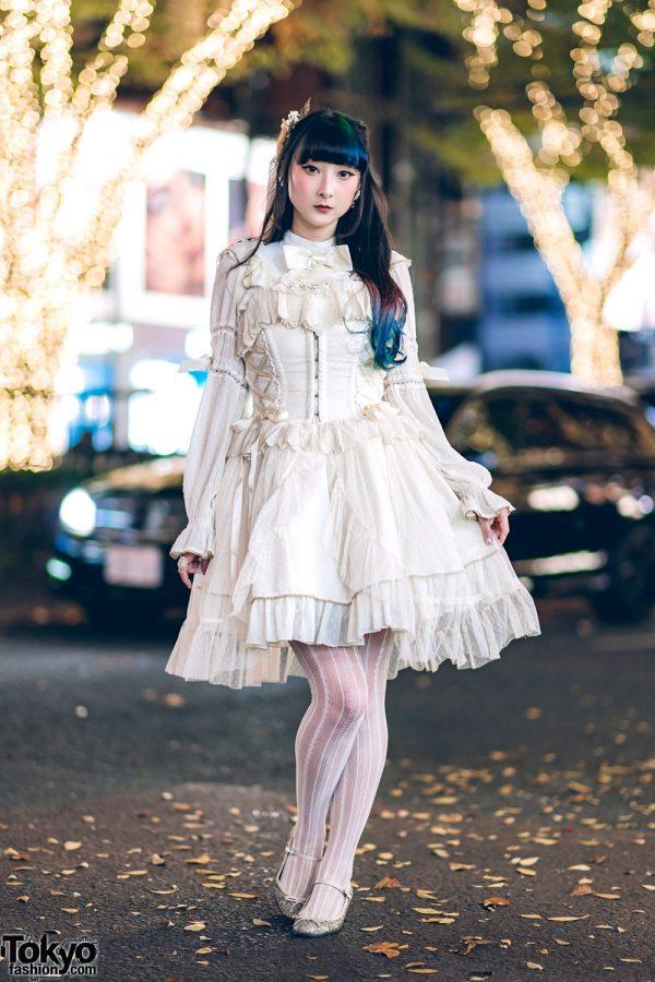 Harajuku Lolita in White Angelic Pretty Dress & Starfish Headpiece