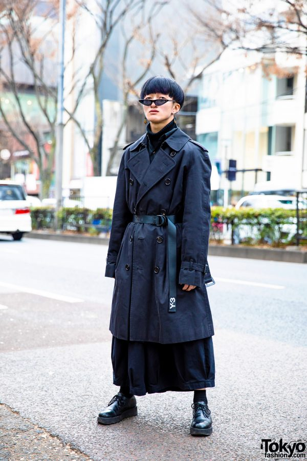 All Black Men's Winter Street Style w/ Burberry Trench Coat, Y-3, Notch Wide Pants, Whoop-De-Doo Shoes & SAAD Pointy Glasses