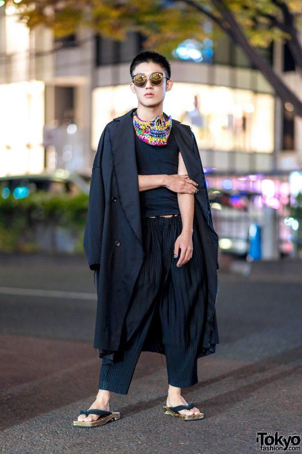 Tokyo Monochrome Street Style w/ Colorful Mask, Geta Sandals, Maiko Nail Art, Sulvam, Issey Miyake & Vintage Fashion