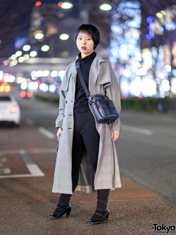 Tokyo Minimalist Street Style w/ Urban Research Houndstooth Trench Coat, Skinny Jeans, Heeled Shoes & Coach Crossbody Bag