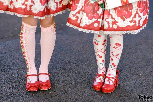 Strawberry Lolita Street Styles in Harajuku w/ Angelic Pretty, Baby The Stars Shine Bright & Queen Bee 6