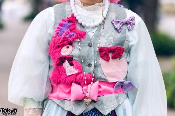 Pink & Blue Street Style in Tokyo w/ Pink Hair, Kiki2 Layered Tops, Floral Skirt, Vintage Accessories, Sequin Flower Handbag & Metallic Platforms 4