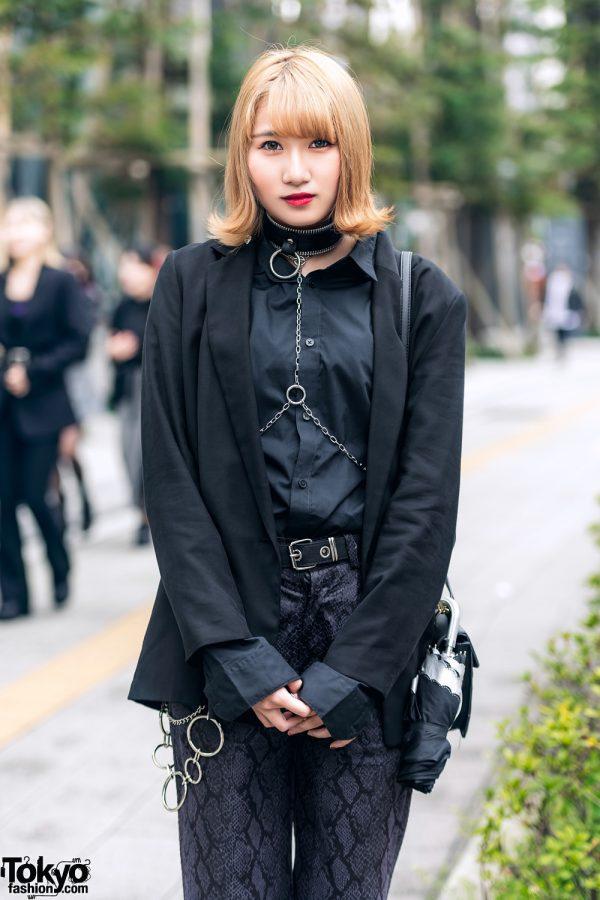 All Black Tokyo Streetwear Style w/ Zara, Never Mind the XU Snakeskin Pants, Choker w/ Body Chain & Attagirl Lace-Up Shoes 4