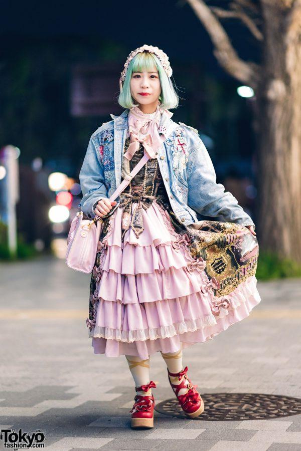 Harajuku Metamorphose Temps De Fille Lolita Street Style w/ Green Hair, Vintage Denim Jacket, Pleated Headpiece, Satchel Bag & Bow Shoes
