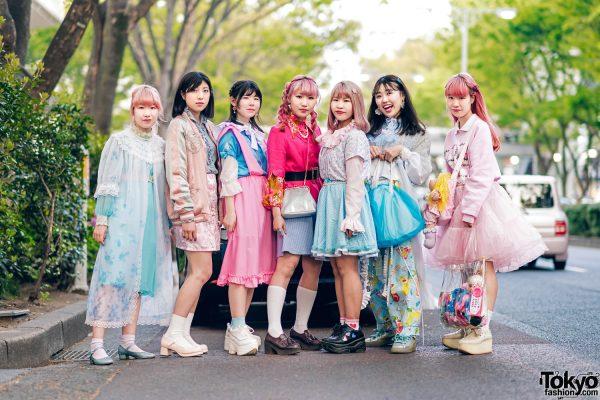 Kawaii Harajuku Girl Squad Street Styles w/ Pink Hair, Sheer Pastel Fashion, San To Nibun No Ichi, Kinji Resale & Cabbage Patch Doll 2