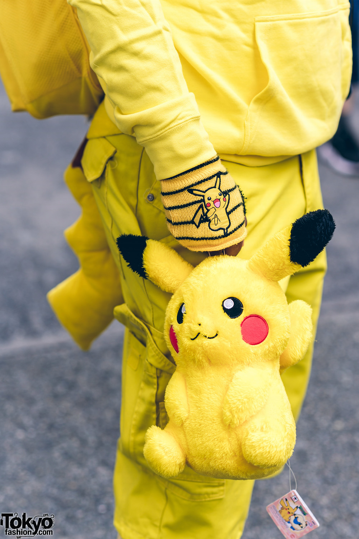 Pikachu Street Style in Harajuku w/ Pickachu Mask, Furry ...
