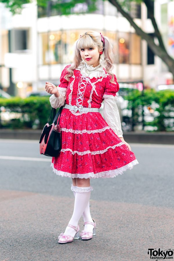 Twin Tails, Panama Boy Floral Print Dress, Kinji Ruffled Blouse, ME Harajuku Butterfly Belt, Titty&Co. Glitter Shoes & a Disney Store Apple Handbag