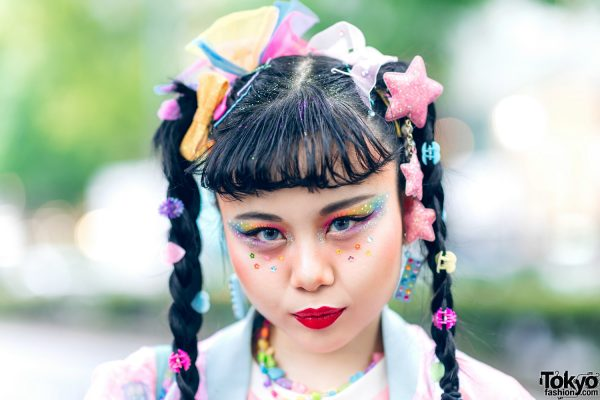 Kawaii Tokyo Streetwear Styles w/ Twin Braids, Colorful Hair, Decora Hair Clips, 6%DOKIDOKI, Claire's, ACDC Rag, Demonia, YRU, Yoshida Beads & Thank You Mart 16