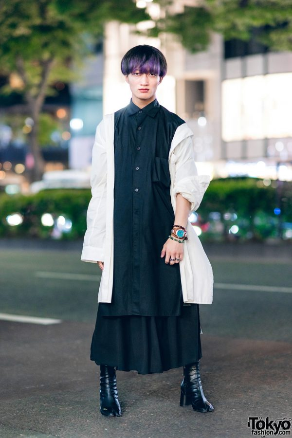 Monochrome Street Style w/Y-3 Layered Shirts, Ingni Long Skirt, SAAD Silver & Bella By Bella Tabi Boots