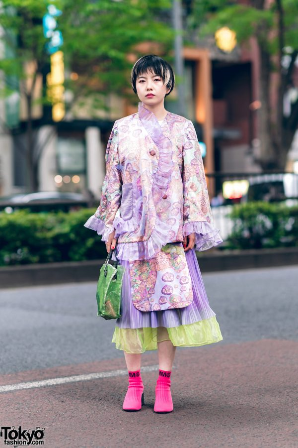Harajuku Stylist Street Fashion w/ Streaked Bob, Kaoru Zhou Ruffle Coat, Beams Japan Bag & MM6 Maison Margiela Sock Boots