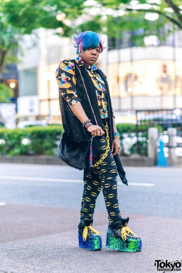 6%DokiDoki Staffer w/ Two-Tone Hair, Gauged Ears, Aika Electronics Choker, WRouge, Galaxxxy, H&M Batman Pants, Furry Bag & YRU Platform Sneakers
