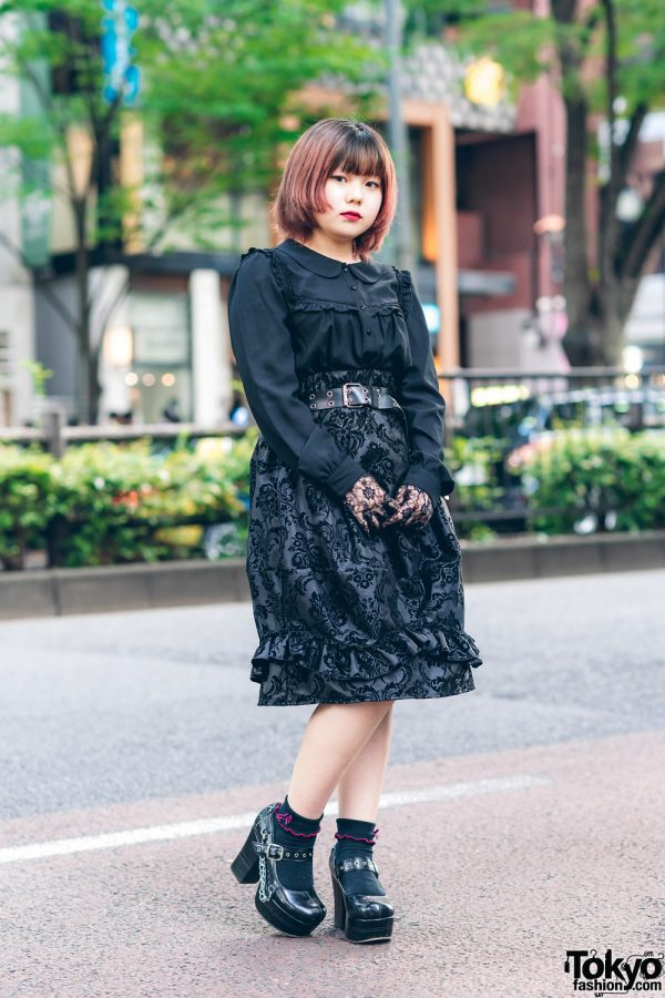All Black Style w/ Fringed Bob, Lace Gloves, Peter Pan Collar Shirt, Drug Honey Flocked Skirt & Heeled Baby Doll Shoes