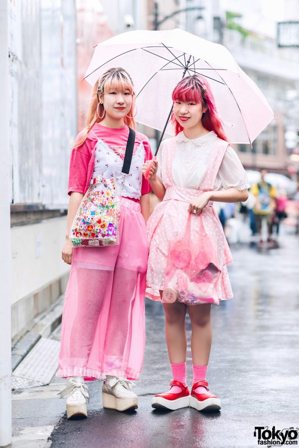 Japanese Twins in Kawaii Pink Harajuku Street Styles w/ Handmade Items, Vintage Fashion & Tokyo Bopper Shoes
