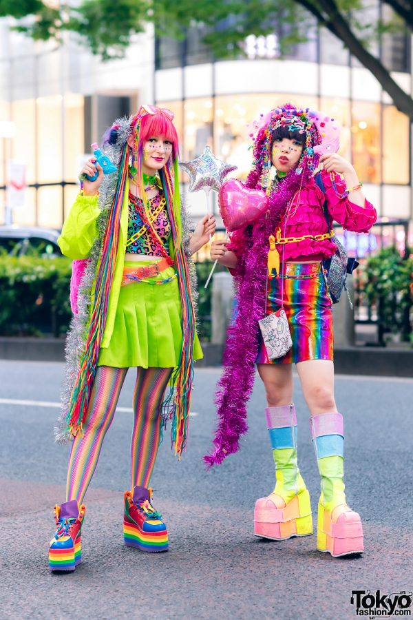 Japanese Kawaii Streetwear Styles w/ Hair Falls, Tinsel Boas, Balloons, Water Guns, Ali Express Leopard Top, WEGO Pleated Skirt, YRU Rainbow Sneakers, Kobinai Ruffled Top, Thank You Mart Furry Bag & Demonia Boots