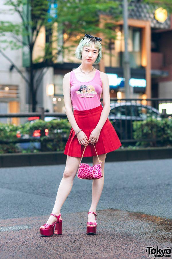 Japanese Model's Chic Street Look w/ Ombre Bob, Heart Necklace, Vintage Fiorucci Top, Pleated Skirt, Lip Print Handbag & Esperanza x Office Kiko Platform Sandals