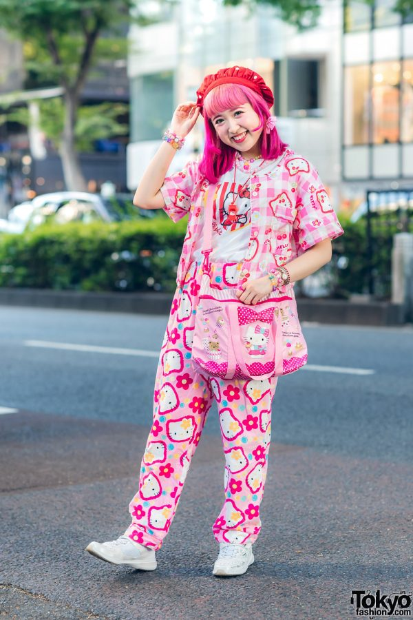 Hello Kitty Harajuku Street Style w/ Strawberry Beret, Pink Hair, Kiki2 Kawaii Vintage, Spinns, San-biki No Koneko, Kinji & Syunsoku Sneakers