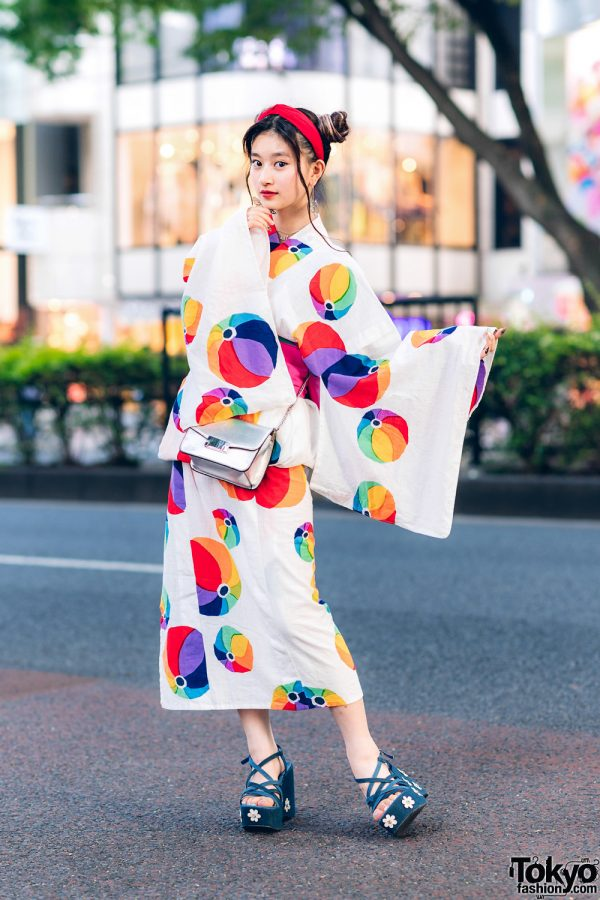 Vintage Yukata & Floral Sandals Worn by Japanese Actress in Harajuku, Tokyo