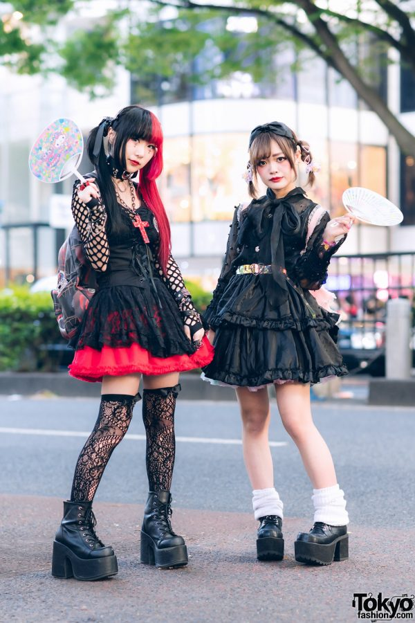 Gothic Harajuku Street Styles w/ Two-Tone Hair, Corset Belt, HellcatPunks Skirt, Vixxsin, GLAVIL by tutuHA, Restyle & Platform Boots