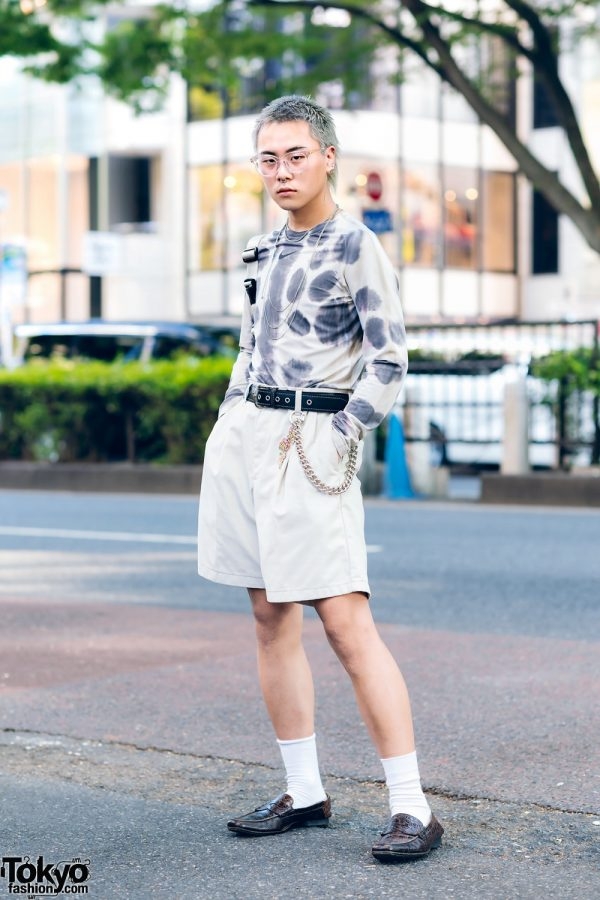 Monochrome Tokyo Streetwear Look w/ Ash Grey Hair, Alyx Printed Shirt, Yayoi Kusama, H&M, Nana-Nana & Prada Loafers