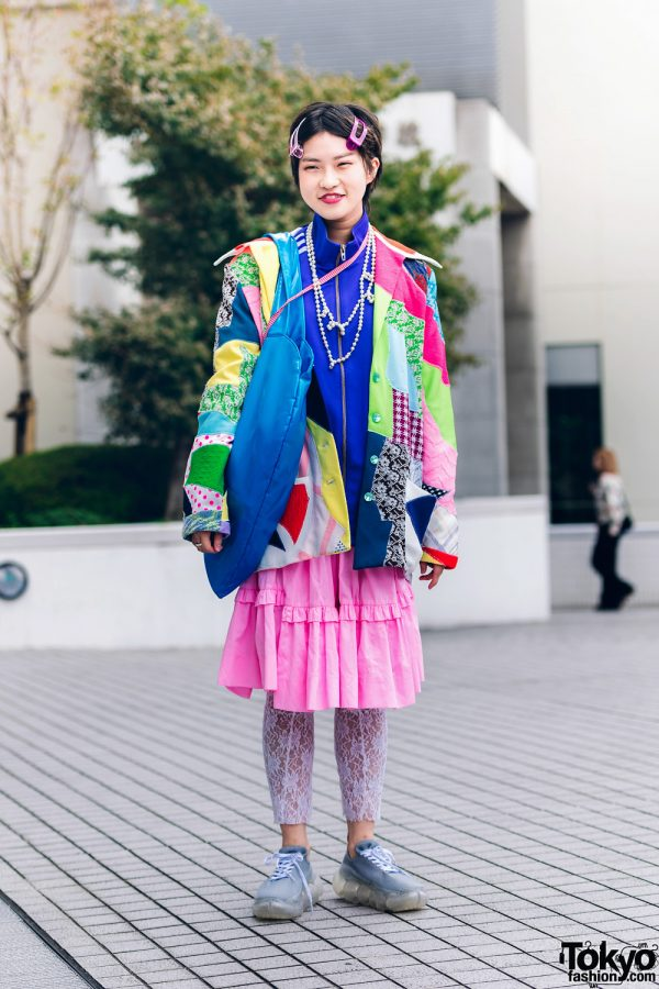 Colorful Bunka College Street Style w/ Pixie Cut & Oversized Hair Clips, Patchwork Jacket, Skirt Over Tights, Heart-Shaped Tote & Sneakers