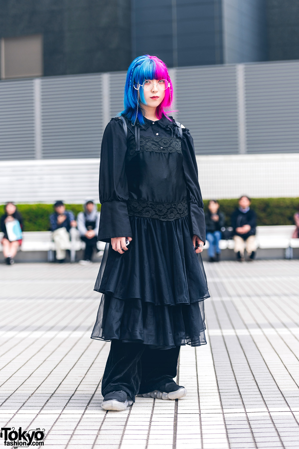All Black Tokyo Street Style w/ Half Color Hair, Cut-Out Shoulder Dress, Corduroy Pants, Leather Backpack & Sneakers