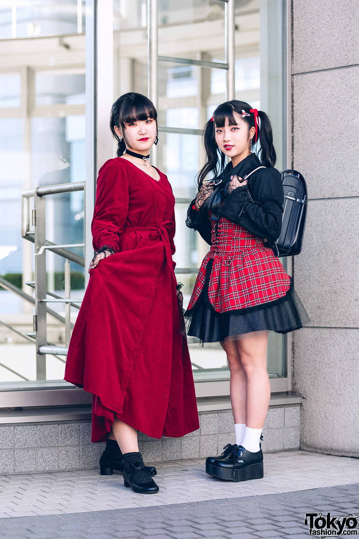 Red & Black Streetwear Styles in Shinjuku w/ Vampire Fangs, Ank Rogue Ribbon, Jouetie Velvet Dress, Bodyline, Mercari, Vivienne Westwood, Claire's & Yosuke