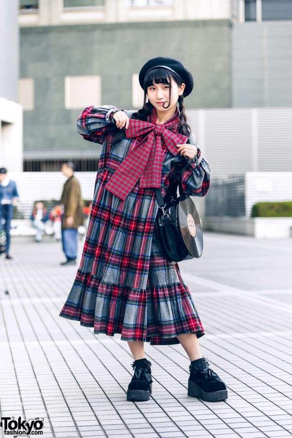 Tokyo Teen Style w/ HEIHEI Plaid Bow Dress, Beret, Lace Socks & G2? Vinyl Record Bag