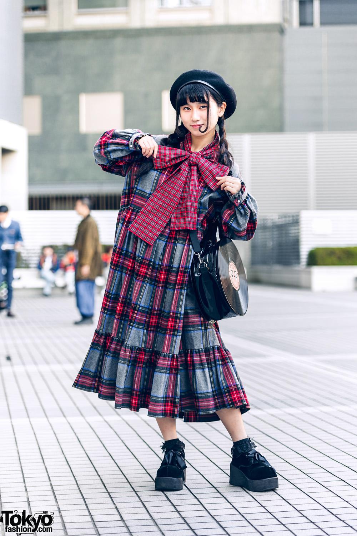 Tokyo Teen Style w/ HEIHEI Plaid Bow Dress, Beret, Lace Socks & G2? Vinyl Record Bag