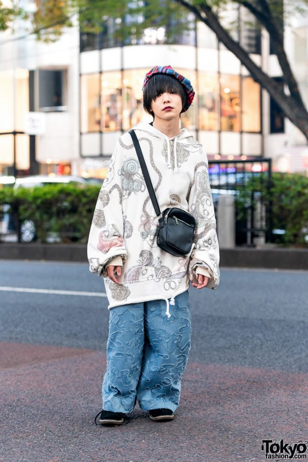 HEIHEI Oversized Street Fashion in Tokyo w/ Plaid Beret, Dark Lips, Patchwork Pants, Alive Crossbody Bag & Lee Suede Shoes