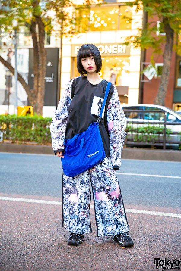Harajuku Girl in Balmung Japan Street Style w/ Anti Old School Sneakers & Champion Bag