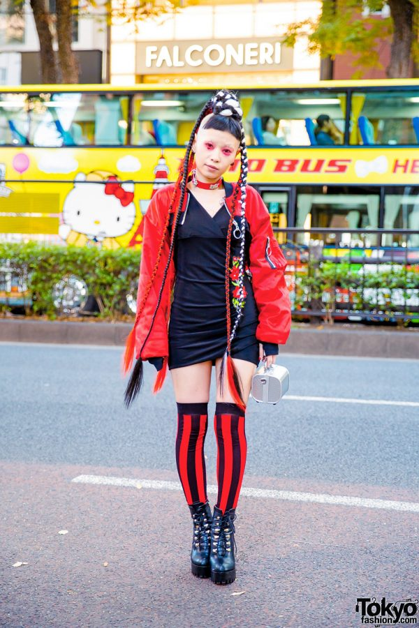 Avant-garde Tokyo Street Fashion w/ Hair Falls, Neuron Nailz, Cropped Jacket, Box Bag & Flame Print Booties