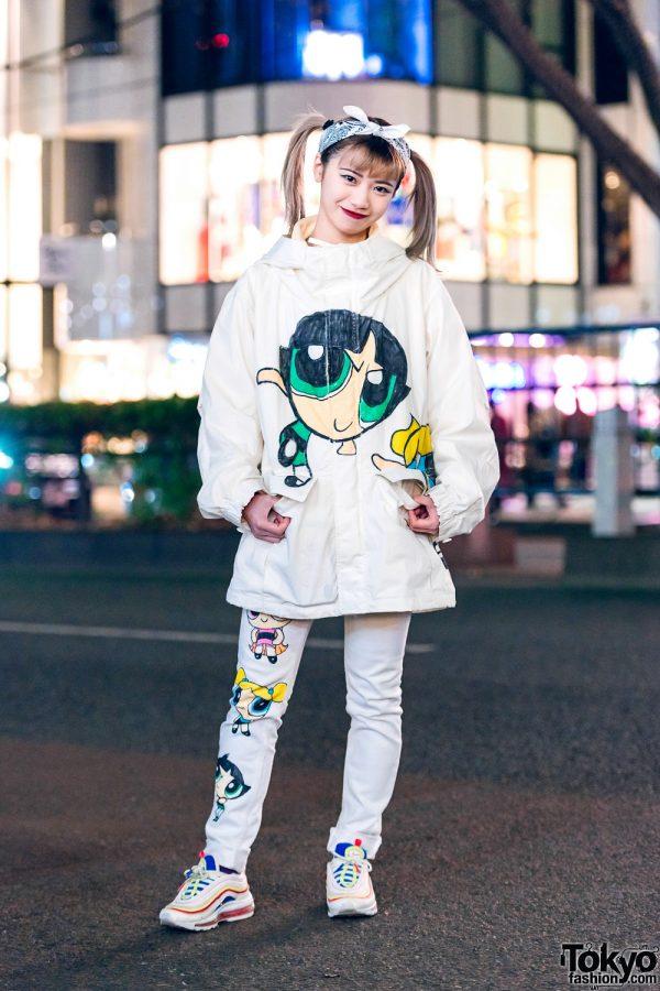 All White Powerpuff Girls Streetwear Style w/ Hair Bandana, Parka Jacket, Skinny Jeans & Nike Sneakers