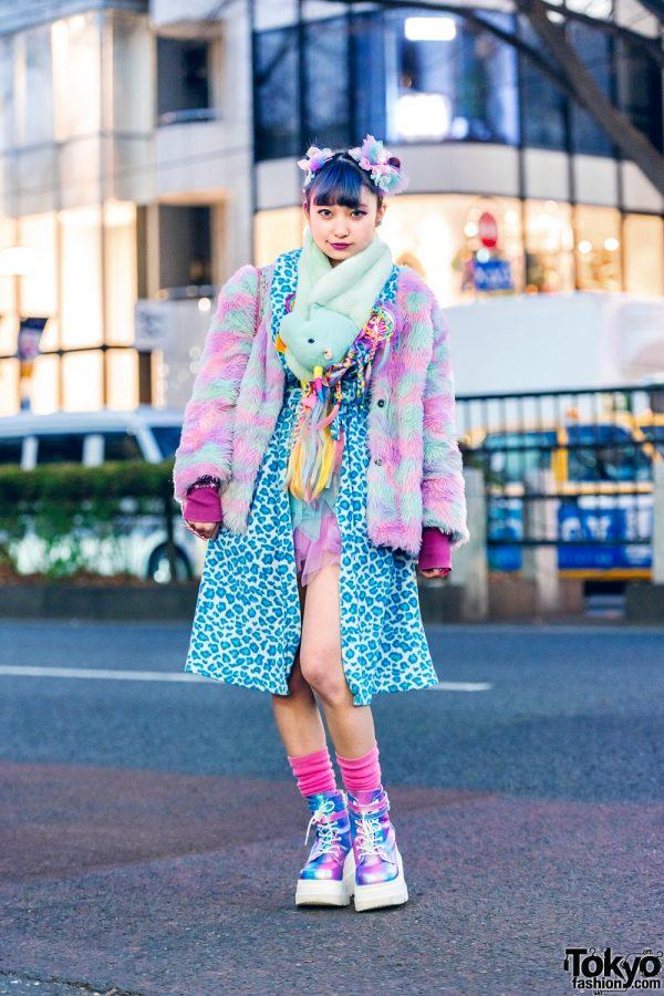 Tokyo Pastel Kawaii Style w/ Twin Purple Buns, Unicorn Plushie Muffler, ACDC Rag Furry Jacket, 6%DokiDoki Belted Coat, Cat Print Tote Bag & Demonia Metallic Boots