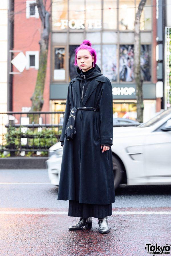 All Black Menswear Street Style w/ Pink Hair, Resale Fashion, Keisuke Yoneda Pleated Maxi Skirt, Gucci, Number (N)ine & Saint Laurent Boots