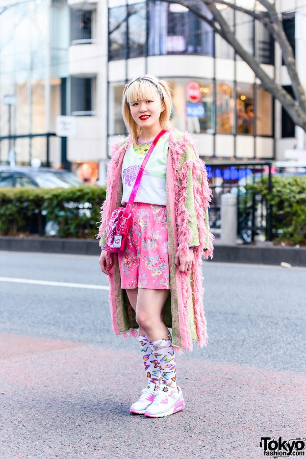 Fun Pink Tokyo Street Style w/ Butterfly Necklace, Pameo Pose Fringe Coat, Harley Davidson, Chicago, Butterfly Fall, Poco A Poco, Candy Stripper Sling & Nike Sneakers