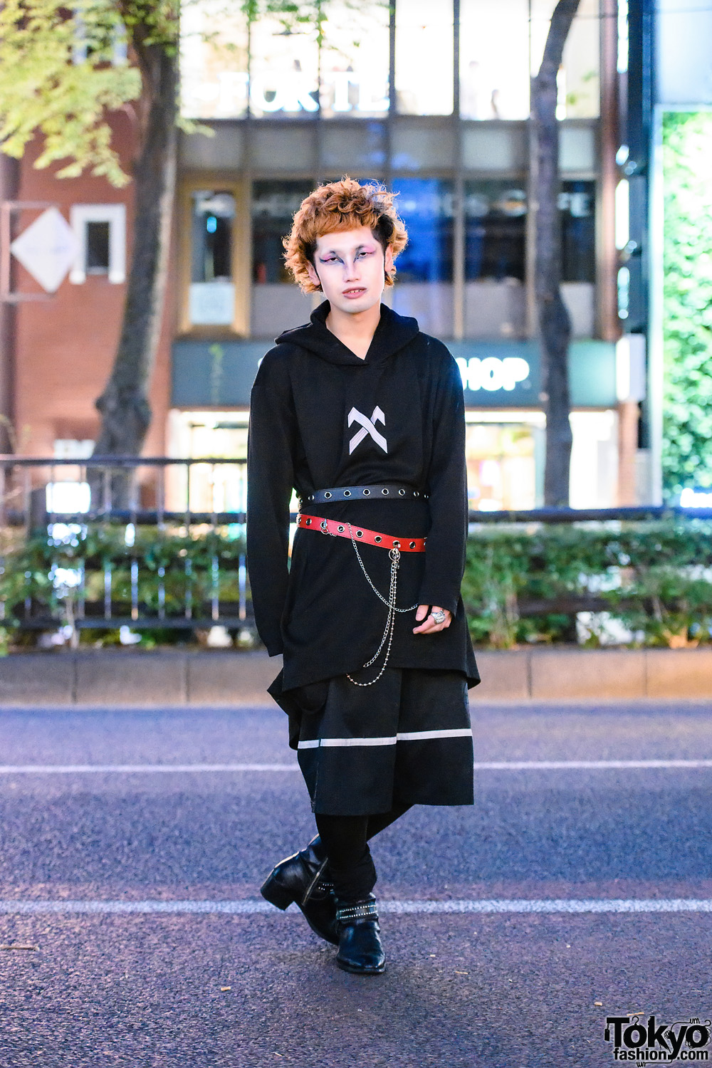 All Black Look in Harajuku w/ Striking Eye Makeup, Hoodie Sweater, Long Shorts, Layered Grommet Belts, Knee Socks & Studded Boots