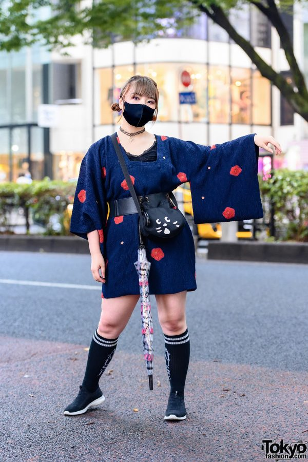 Japanese Michiyuki Kimono Jacket Street Style w/ Tattoo Choker, Floral Print, AMUSE Socks, Cat Bag & Skechers Sneakers