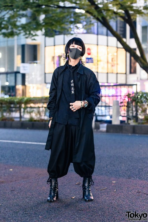All Black Tokyo Menswear w/ Mahjong Tassel Earrings, Y-3, Yohji Yamamoto Femme, Gound Y Balloon Pants, Yohji Yamamoto Homme, SAAD & Maison Margiela Tabi Boots